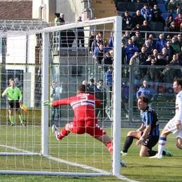 Il gol dell'1-0 segnato da Stendardo