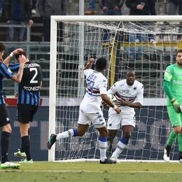 Il gol decisivo della Sampdoria e la delusione dei giocatori atalantini