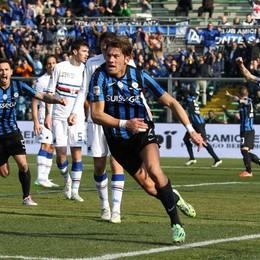 Stendardo esulta dopo il gol dell' 1-0