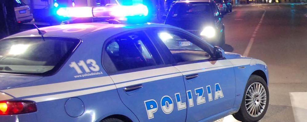 Si apparta con una prostituta Rapinato di 90 euro, arriva la polizia