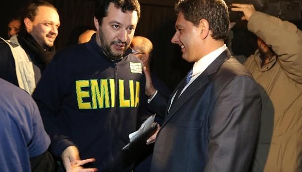 Toti a Salvini, via maschera, discutiamo