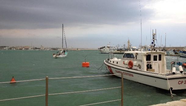 Marittimi pugliesi bloccati in Albania