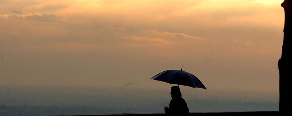Meteo, con l'ombrello nel weekend Al Nord pioggia con neve sui rilievi