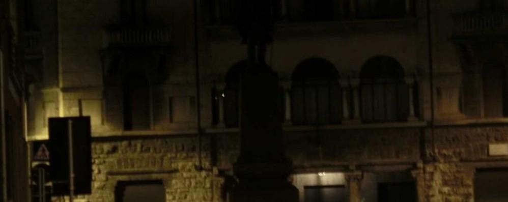 Bergamo Città dei Mille Ma Garibaldi resta al buio...