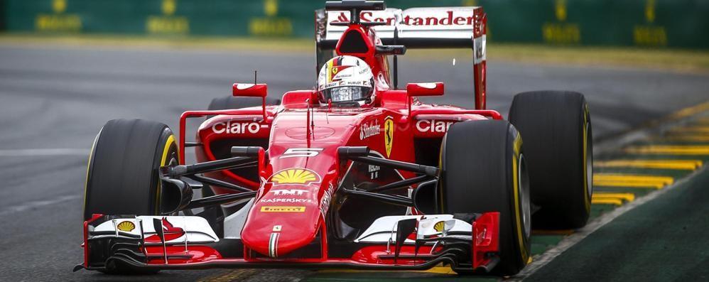 Mercedes davanti mezzo secondo Vettel scatta dalla  2ª fila a Melbourne