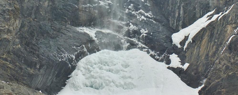 Altro che primavera, qui è il gelo Lo spettacolo delle cascate del Serio