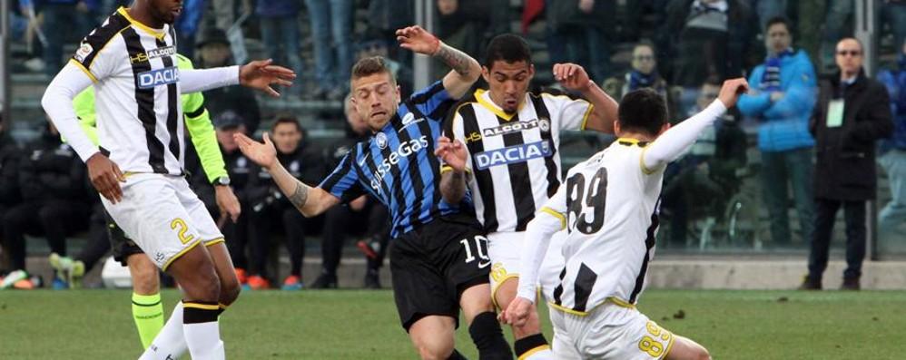 Gomez: «Ora 11 finali per l'Atalanta Sento che il mio primo gol è vicino»