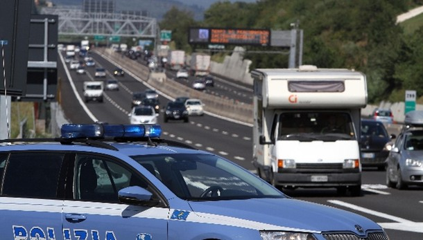 Renzi, dopo la riforma non più 5 polizie