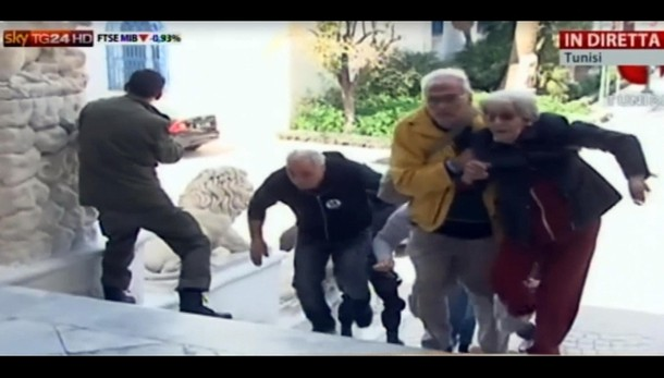 Tunisi: 8 ostaggi ravennati, stanno bene