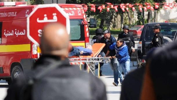Tunisi: Farnesina, 3 italiani morti