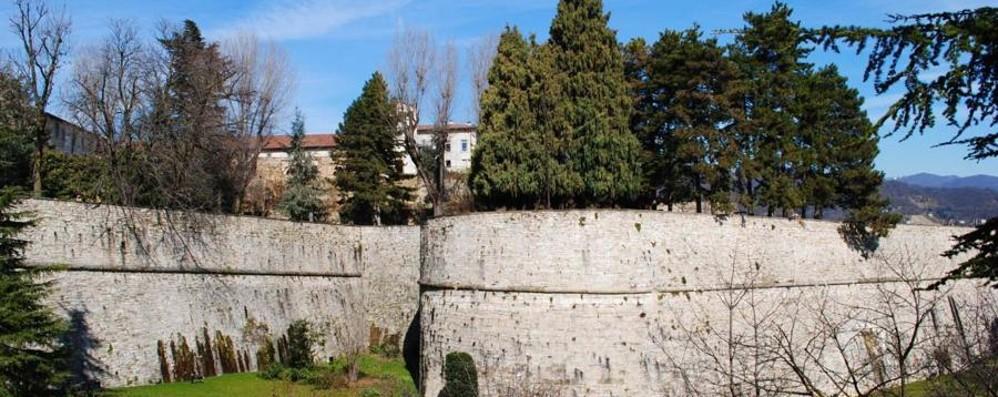 Palafrizzoni, si ripuliscono le Mura  Anche Fra.Mar dà il suo contributo