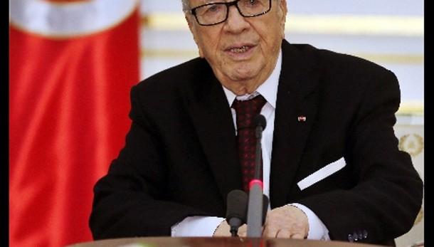 Tunisi: presidente, siamo in guerra