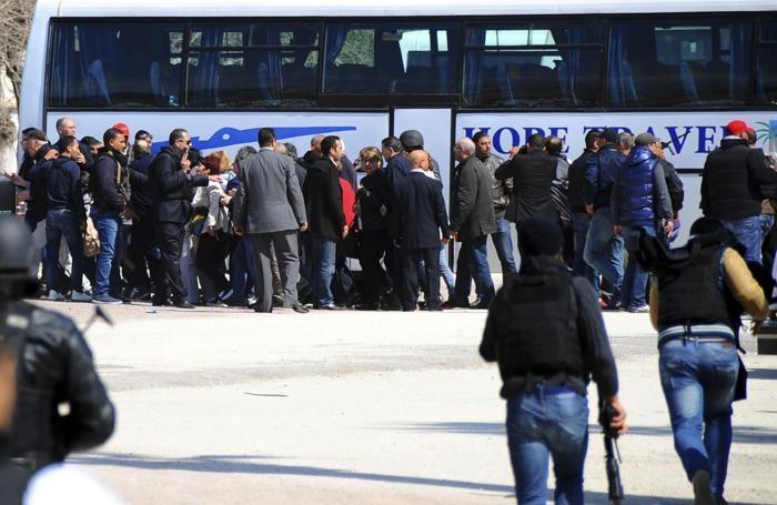 Turisti evacuati dal Bardo