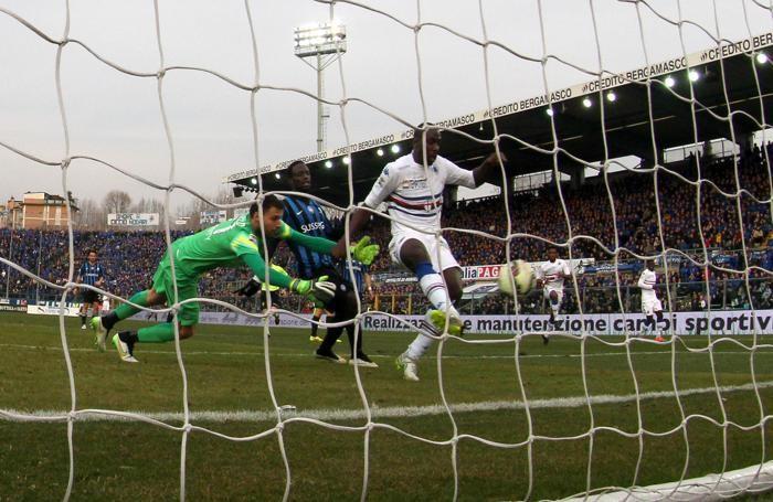 Il gol di Okaka per il 2-1 sampdoriano