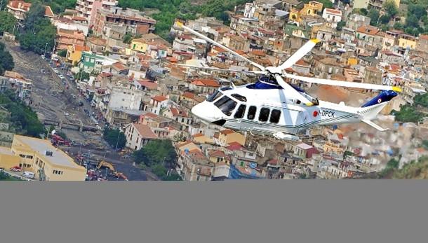 Elicottero con Renzi costretto atterrare