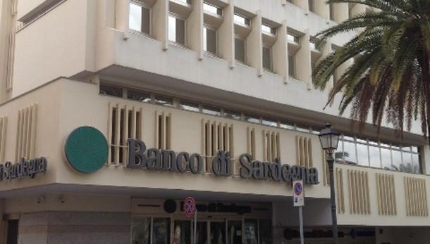 Gdf in sede Banco Sardegna,perquisizioni