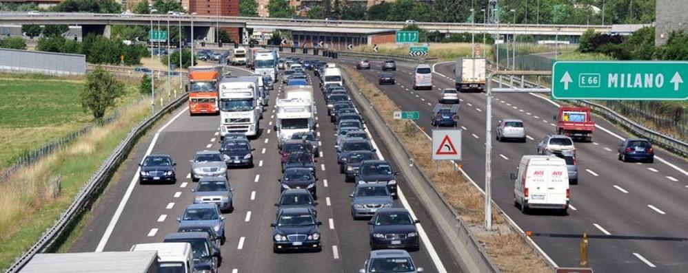 «Bus autostradali, fermare i tagli» I pendolari: pronti alla mobilitazione