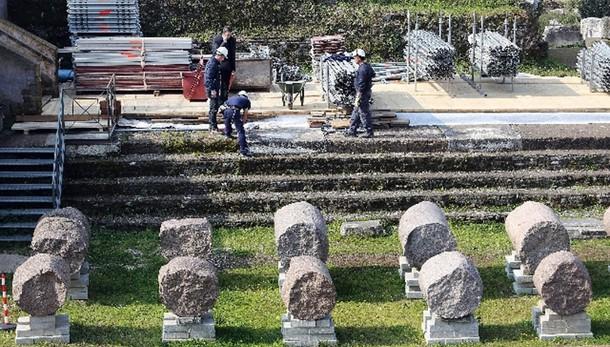 Fori: ricostruite 7 colonne Tempio Pace