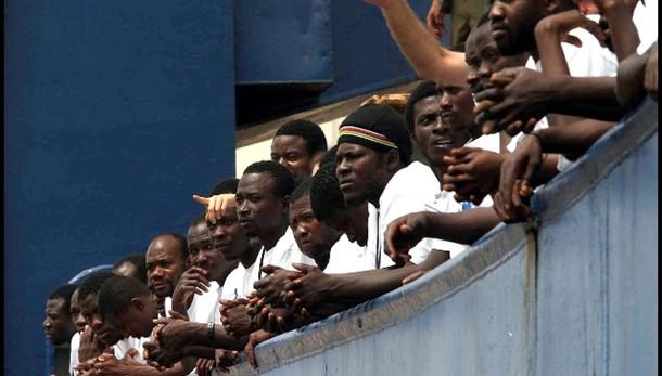 In Italia +143% richieste asilo in 2014