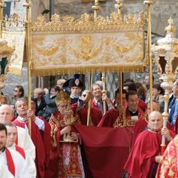 Grande attesa per la Sacra Spina Stasera i fuochi, domani  processione