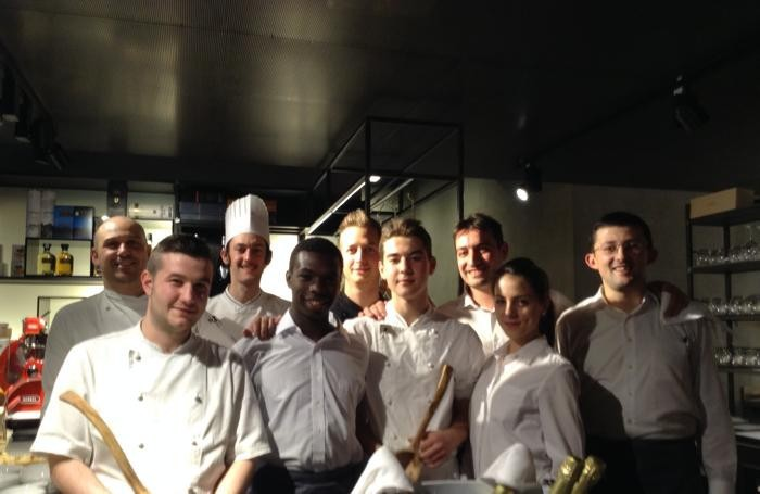 Lo staff del ristorante «L'8 C» di Treviolo