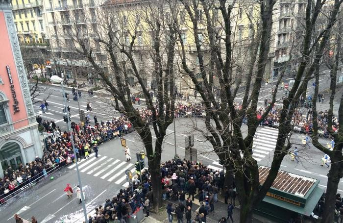 La sfilata in viale papa Giovanni XXIII
