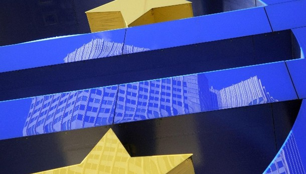 Cambi: euro in rialzo a 1,0992 dollari
