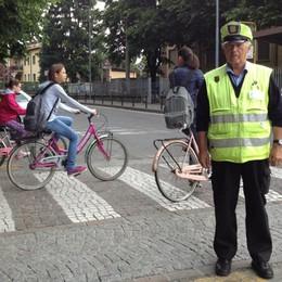 Cercasi nonni (e nonne) vigili per i bambini della scuola