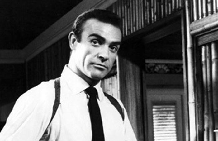 Sean Connery nella parte di James Bond 007