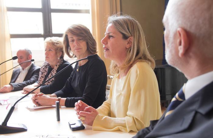 La presentazione dell'evento Pacem in Terris con Lucilla Giagnoni