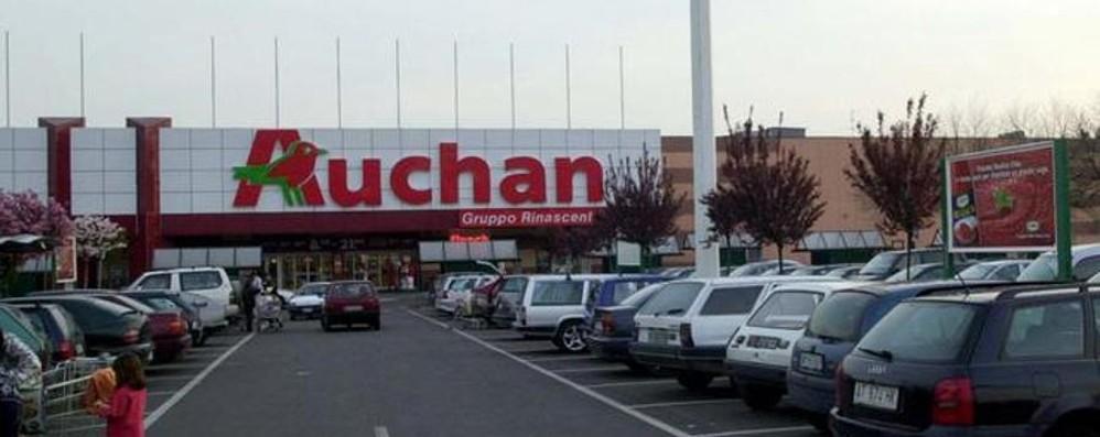 Auchan taglia l'integrativo Sindacati sul piede di guerra