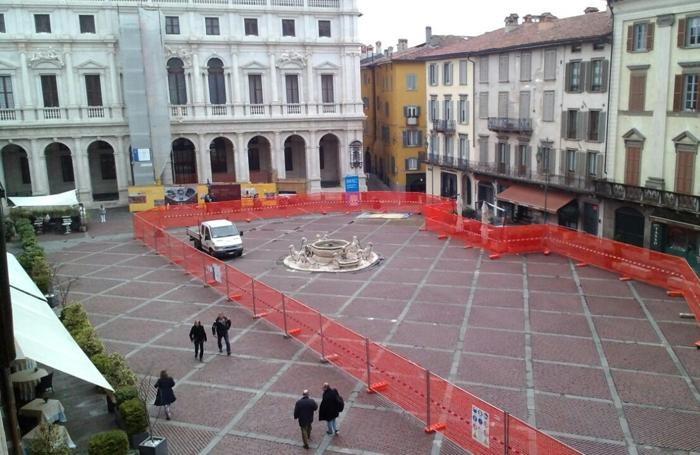 Il cantiere in Piazza Vecchia
