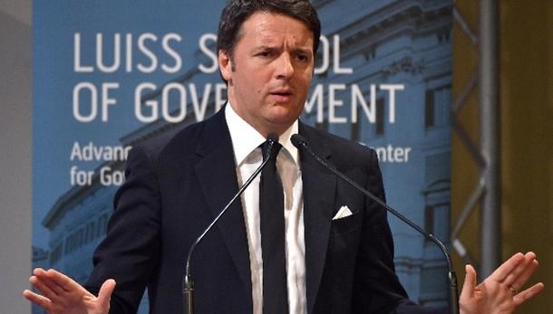 Fiducia in Renzi al 40%. Governo stabile