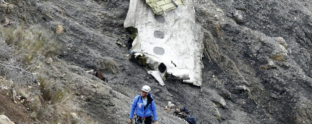 L'aereo precipitato sulle Alpi «Il copilota voleva distruggerlo»