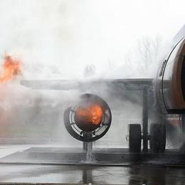 Orio al Serio, aereo va in fuoco Ok l'esercitazione dei pompieri