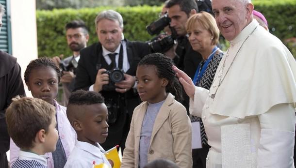 Papa: tappa a Prato prima di Firenze