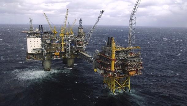 Petrolio: torna in calo a 50,2 dollari