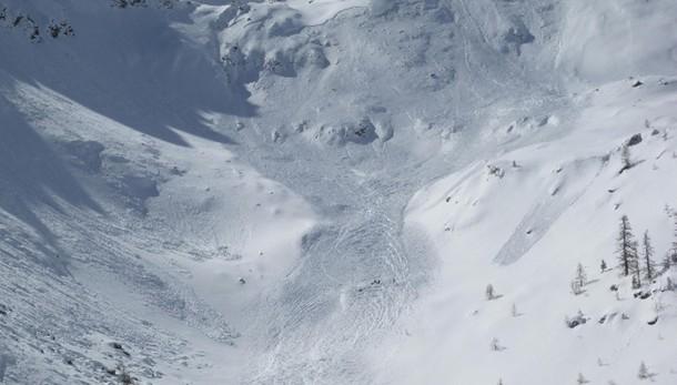 Slavina su montagne torinesi, 3 morti
