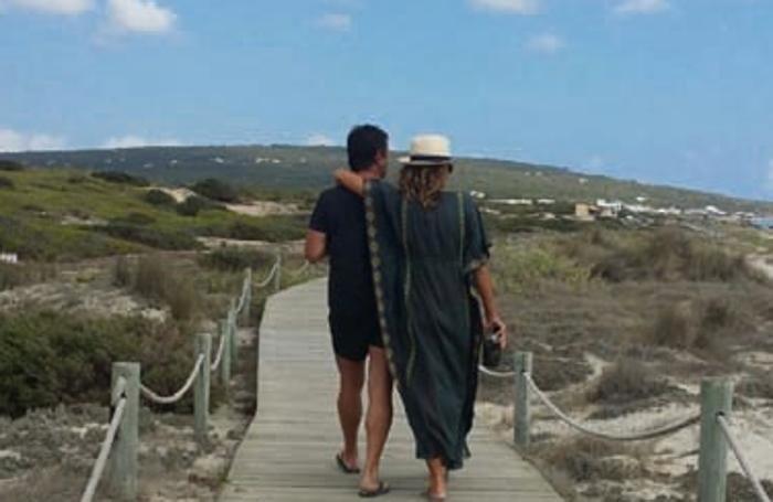 A Formentera, una foto di Giorgio Gori e Cristina Parodi