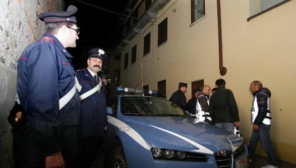 Blitz anticamorra Cc e Ps, 50 arresti
