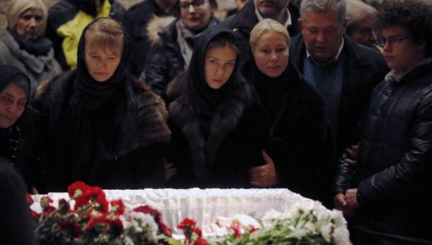 Migliaia a camera ardente Nemtsov