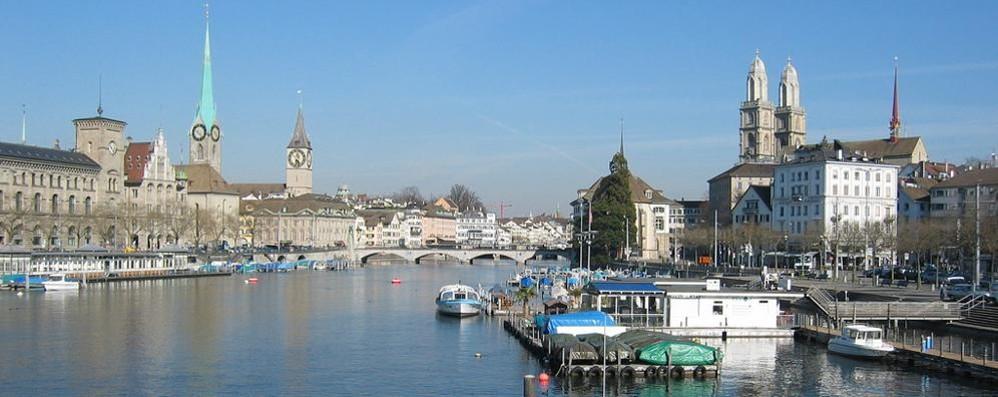 La città più cara al mondo? Singapore Ma s'avvicinano anche Zurigo e Ginevra