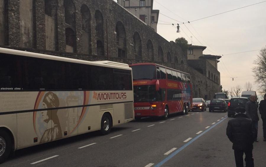 Carico e scarico bus turistici milano