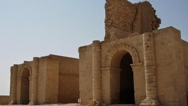 Curdi, Isis distrugge antica città Hatra