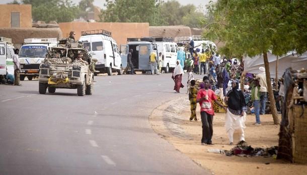 Mali: attacco a ristorante, 5 morti