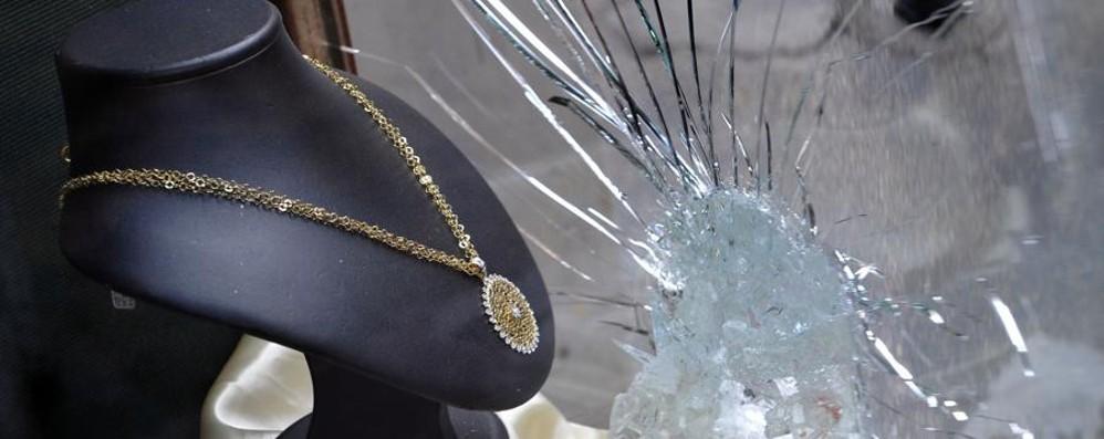 Rapinavano gioiellerie: arrestati Anche sopralluoghi con una bimba