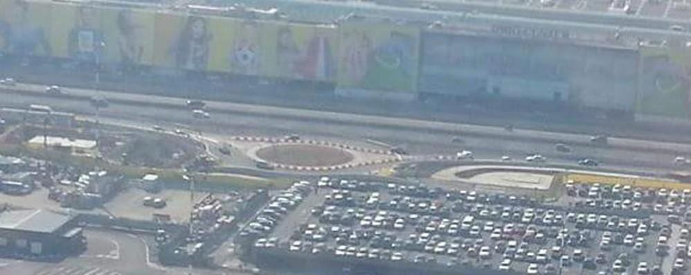 Aeroporto, ecco il nuovo rondò Ha un diametro di 40 metri