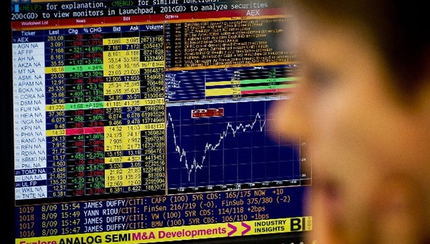 Borsa: Milano chiude in rialzo, +0,87%