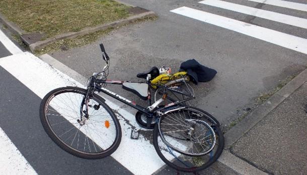 Investito in bici, morte cerebrale 16nne