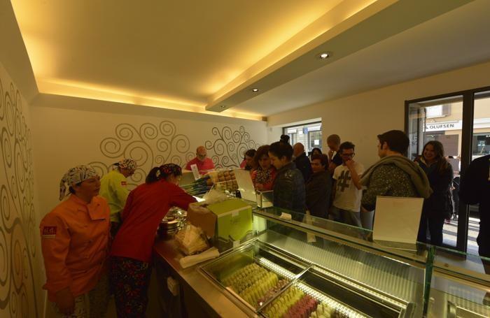 Primi clienti al «Al d. Mangiami» di via Zambonate 51  a Bergamo